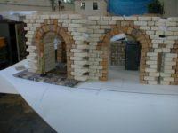 Stavba podzemního nádraží - kombinace hnědý pískovec