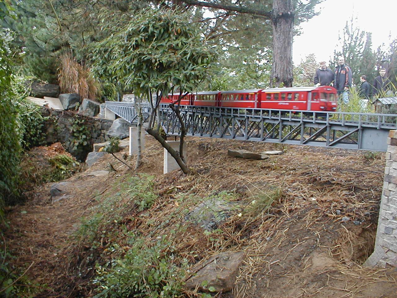 ocelovy most zahradni zeleznice