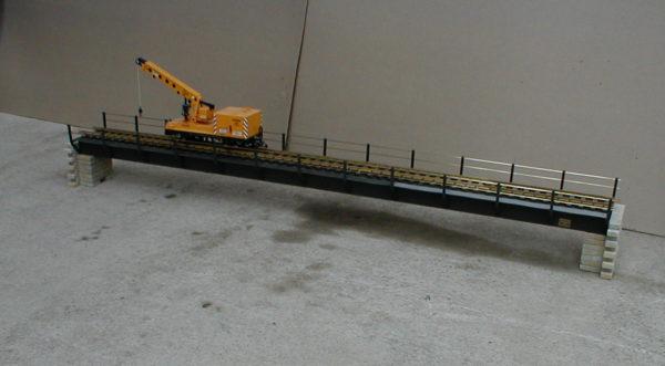 Ocelový železniční most